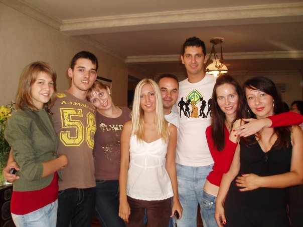 "The shortest Serb in this photo is 170 cm (5'7"")"