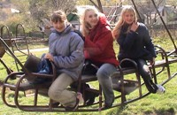 These teenagers had fun on a swing in Kamyanets-Podilsky.